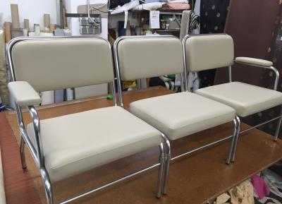 banco de 3 sillas ya tapizado...