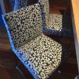 "Silla tapizada con tela ""Frigiliana"" de James Malone Fabrics"